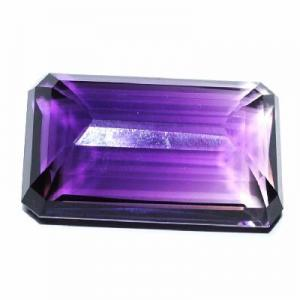 Pta 030b amethyste 40x24x13mm 104carats bolivie pierre semi precieuse